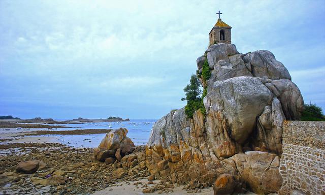 Rocher de la sentinelle à Port-Blanc