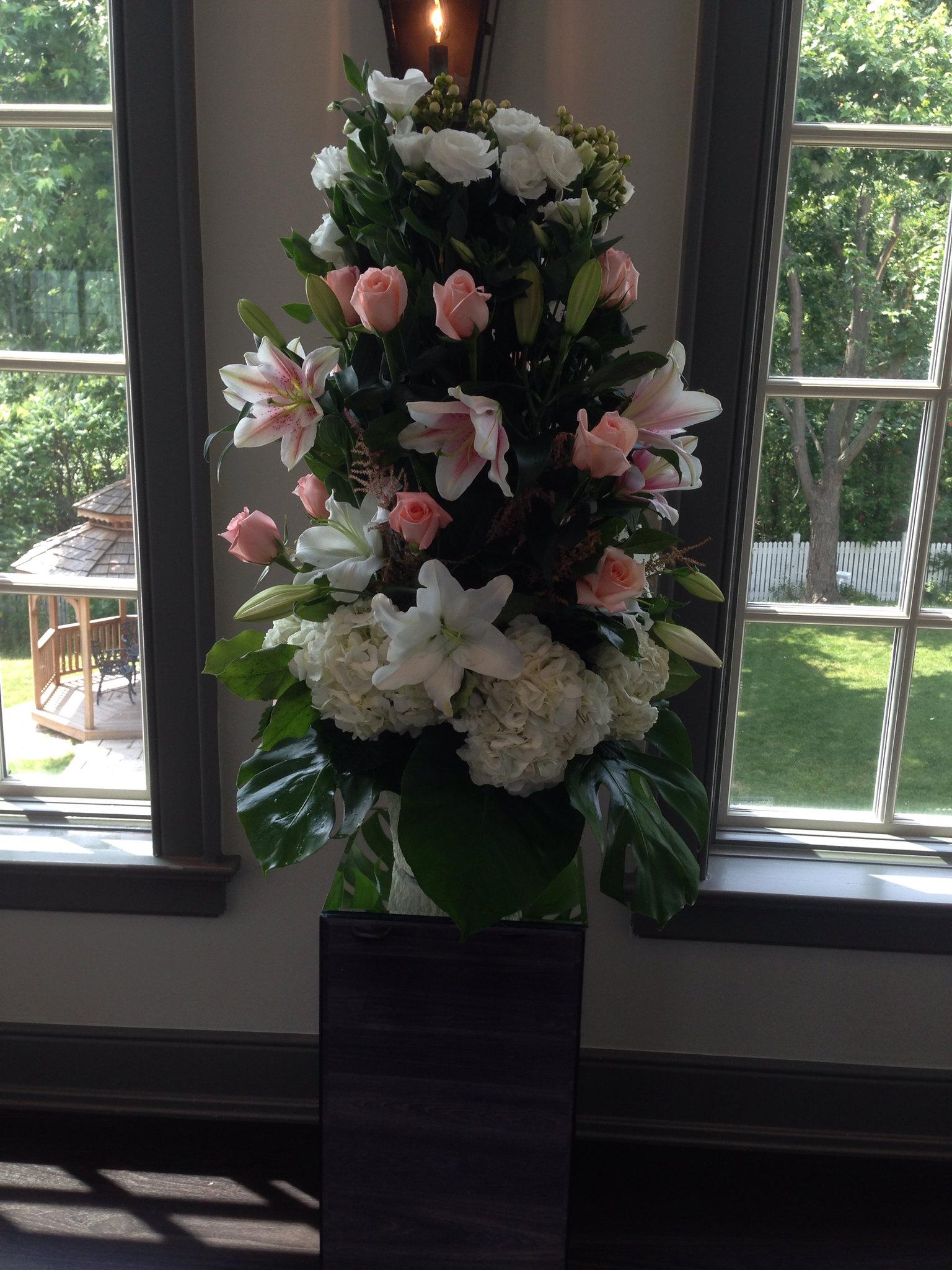 Farah florist W-A04.  $220