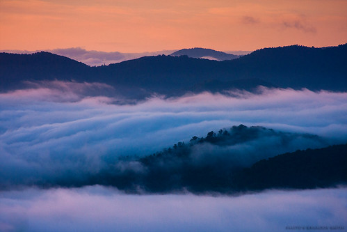 mountains fog sunrise northcarolina valley smokies smokymountains