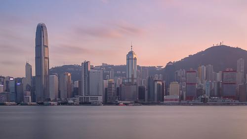 sunset hongkong harbour hong kong ifc goldenhour victoriaharbour