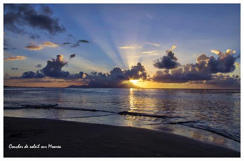 ocean sunset sea water sunrise pentax pacificocean tahiti coucherdesoleil oceansunset sunsetislands pentaxk5 sunsettahiti