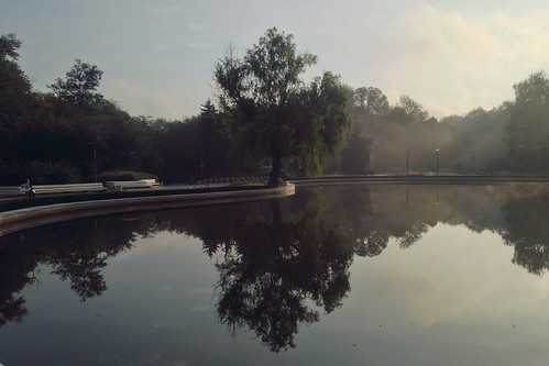 park morning people lake fog sunrise reflections photography photo sofia southpark iphone sofiacity iphone5 iphoneography юженпаркsouthpark