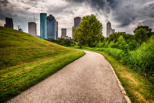 houston texas buffalobayou trail hiking downtown cityscape cityview buildings skyscraper thunderstorm clouds path