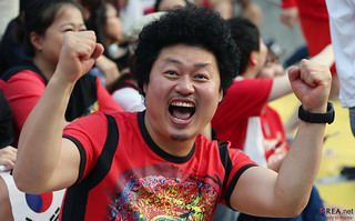 Korea_Fans_Cheers_Team_Korea_20140627_15 | by KOREA.NET - Official page of the Republic of Korea