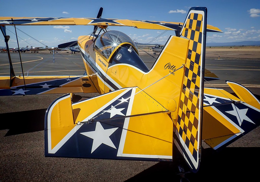 Star Spangled Bi-Plane at the 2014 Air show of the Cascades in Madras, Oregon