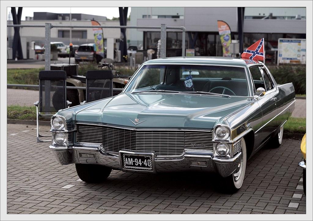 Cadillac Coupe DeVille / 1965