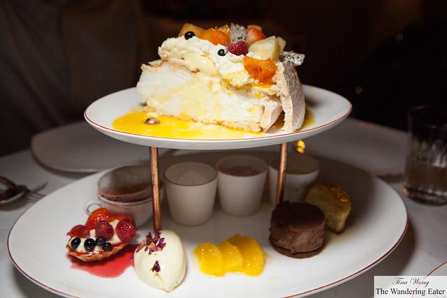 M''s Truly Grand Dessert Platter