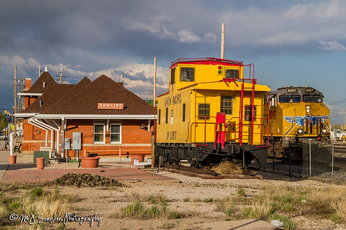 caboose wyoming outdoor outdoors canon 7d digital wow scanlon mojo eos photo photography photographer photograph capture picture mjscanlon mjscanlonphotography super ©mjscanlonphotography ©mjscanlon image perspective view impression color real tree sky landscape rail railroad railway track logistics railfanning steelwheels railfan railroader transport transportation freight cargo merchandise commerce business move mover moving haul train trains horsepower engine locomotive up unionpacific up8097 up25617 rawlins