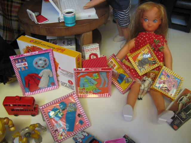 Tutti & her toys