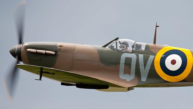 Spitfire Mki. G-CFGJ / N3200.