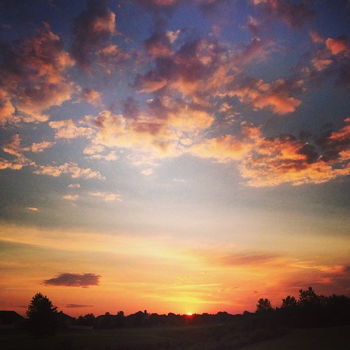 Sadly, this happens at the end of the run now. #shirleyruns #endofsummer #sunrise #clouds #goodmorning | by shirley319