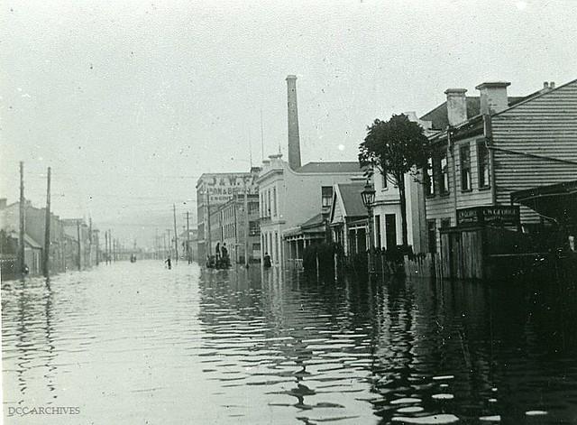 St Andrew Street in the 1923 Floods