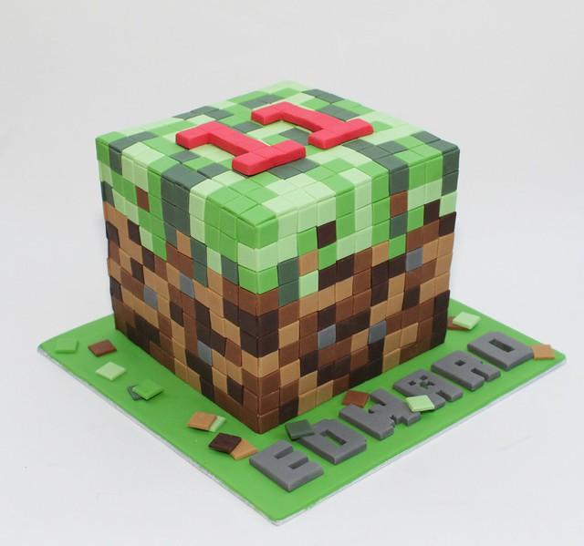 minecraft cube cake