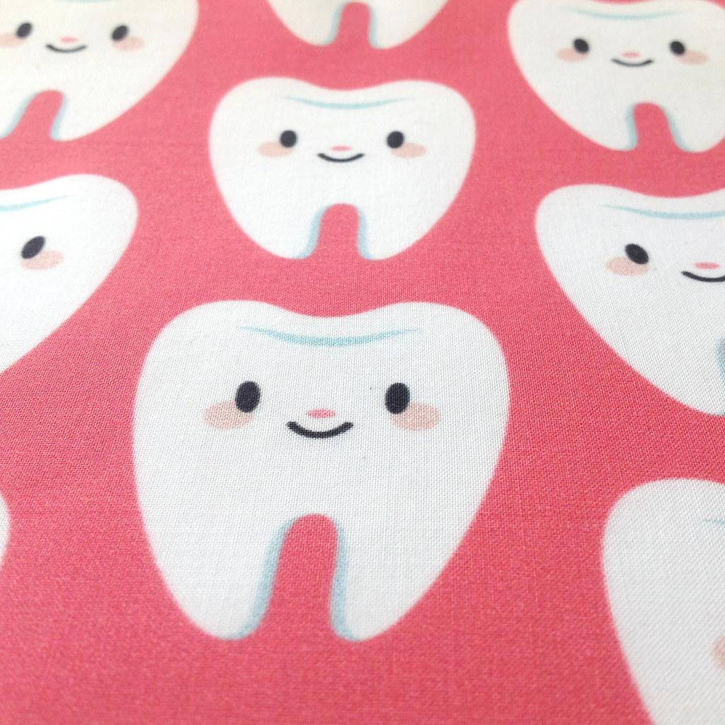 Cute little molar teeth - Red