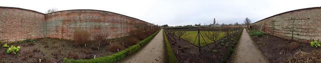 Walled garden.vr