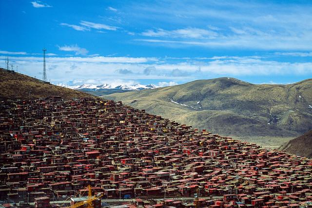 Scenery of Larung gar