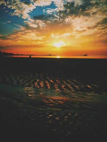 ocean blue sunset red sky orange reflection beach nature water beauty sunrise li sand skies shadows connecticut ct scene longisland atlantic sound blueskies picturesque fairfield longislandsound naturephotography lisound fairfieldct soung