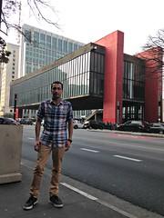 Avenida Paulista (MASP ao fundo)