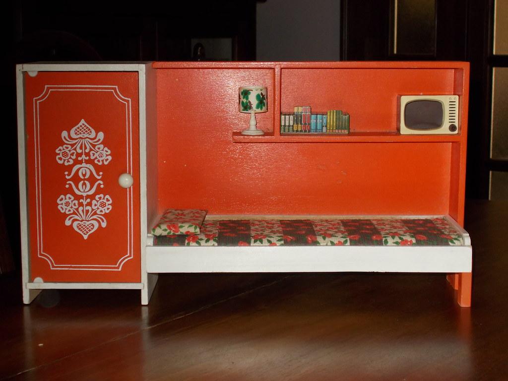 Mobili Per Bambole In Legno : Frade mobili per bambole in legno camera cecilia barba flickr