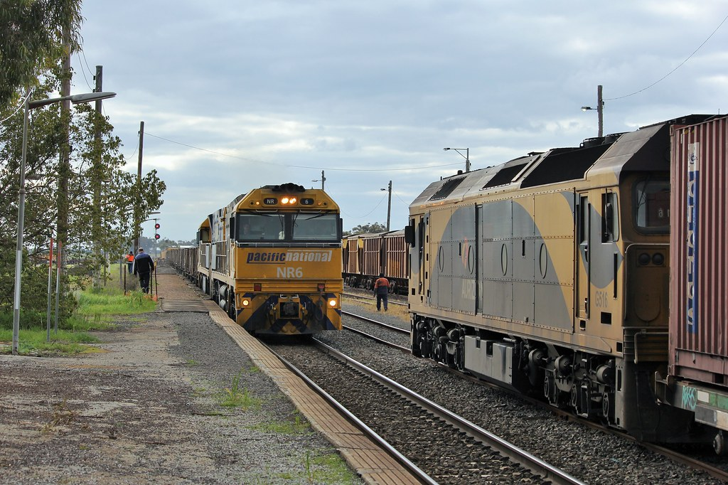 NR6 and NR83 on XW4 cross G516 and wagons at Murtoa by bukk05