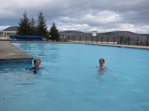 pool vermont violet swimmingpool everett okemo 2014 60225mm april2014