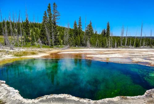 Colorful spring of Yellowstone 01, Yellowstone, Wyoming, USA | by zwzzjim