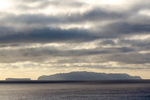 ocean morning sea sky clouds sunrise canon reflections landscape island morninglight day cloudy atlantic 7d madeira ilha 70200mm ilhasdesertas desertagrande