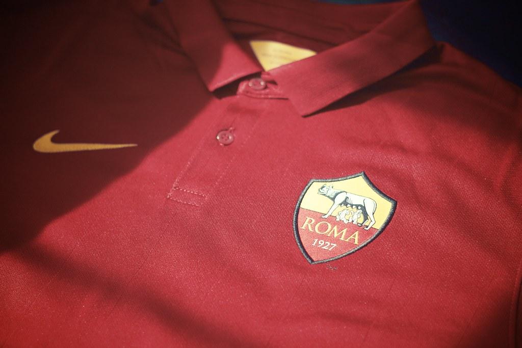 Nike's 2014/15 Roma kit