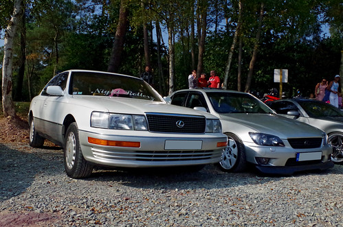 lexus LS and IS | by silviaspecr