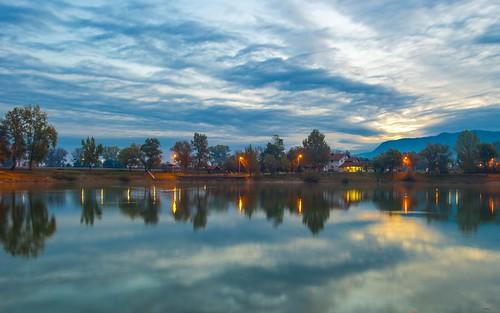 lakes lakezajarki sunrise autumn autumncolours autumnmorning cloudy clouds zaprešić croatia hrvatska nikond600 nikkor173528