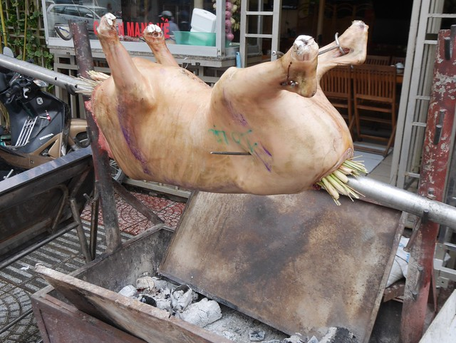 木, 2014-05-15 21:15 - Nguyen Binh KhiemとNguyen Thi Minh Khaiの交差点付近