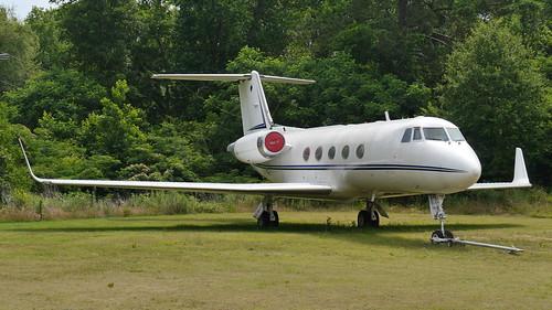 Grumman G-1159 Gulfstream II-SP   by SteffenKahl