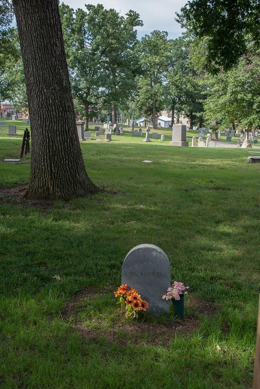 Mary Surratt grave section 12 - long view - Mt Olivet - Washington DC - 2014-07-18