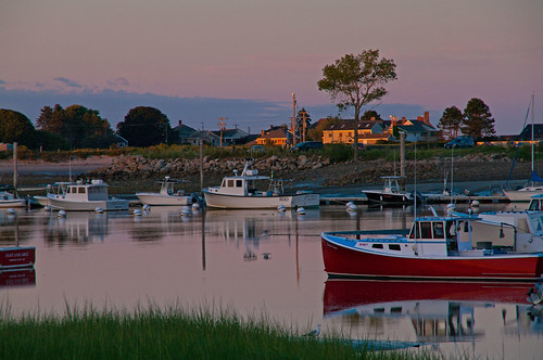 sunset summer reflections boats harbor maine wells bluehour wellsme wellsharbor pwpartlycloudy