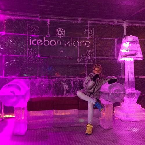 #catalana #musica #familia #sagrada #vma #tibidabo #barceloneta #exhibition #bodies #body #human #park #love #mnac #magic #espanya #pedrera #museu #macba #happy #batllo #gaudi #casa #guell #palau #barcelona #sangria #white #icebarcelona #ice Powered by @i