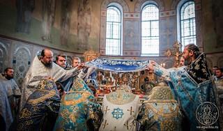 Литургия в Софийском соборе 410