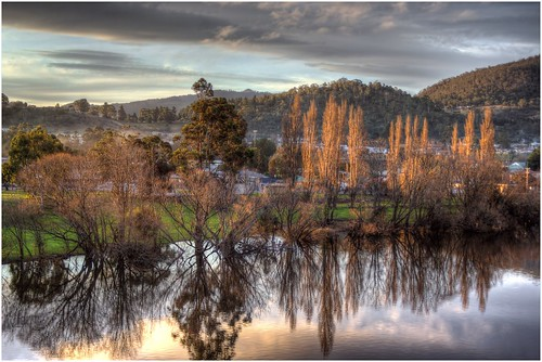 reflection reflections river view derwentvalley australia scene tasmania derwentriver riverderwent newnorfolk ef2880f3556usm trainsintasmania stevebromley