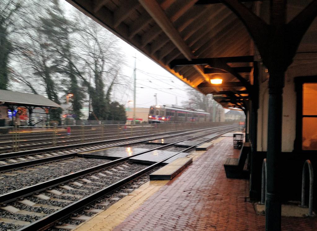 SEPTA train 5322 arrives at Wynnewood