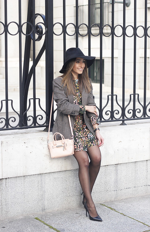 Flower dress blazer pink bag coach black hat accessories heels fashion style outfit01