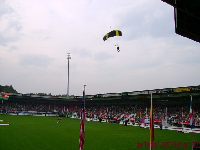 2007-07-16 Startbewijs op halen en vlaggen parade. (46)