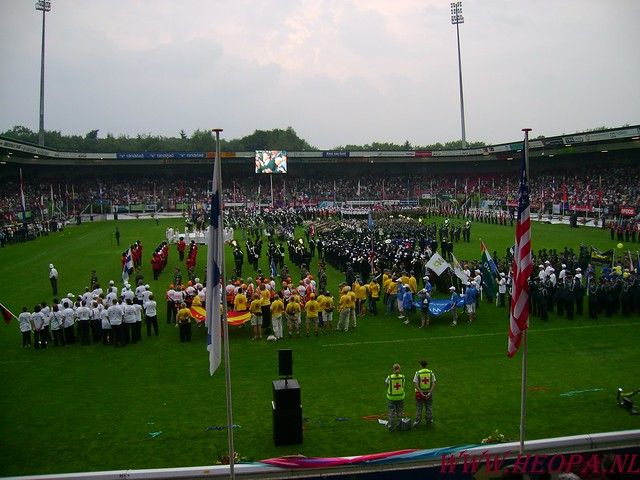 2007-07-16 Startbewijs op halen en vlaggen parade. (91)