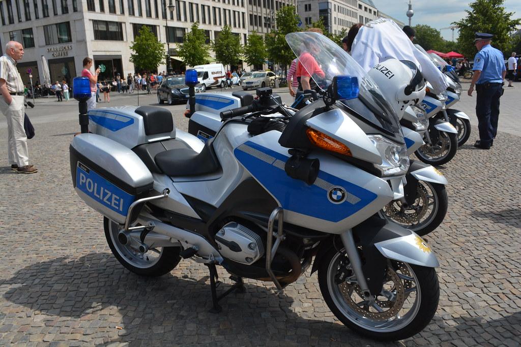 Berlin Germany Police Bmw Motorcycle Bmw R1200p Police Mot Flickr