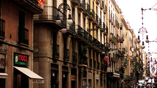 Barri Gòtic, Barcelona   by Maximilian Goldmann