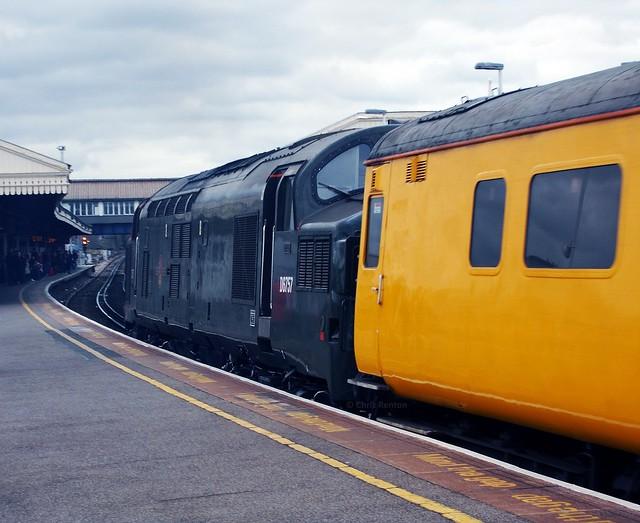 37057 (19-3-16) Clapham Junction