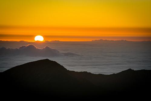 nationalpark haleakalānationalpark outdoor landscape haleakalā sunrise clouds kula hawaii unitedstates us