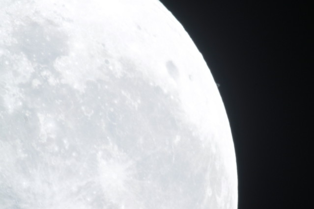 Saturn moving completely behind the Moon