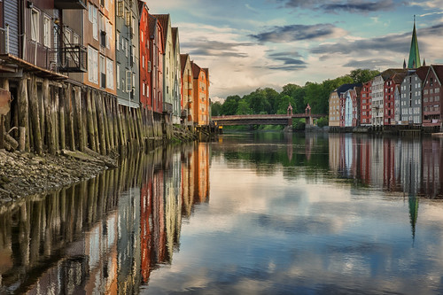 sunset color reflection water norway 35mm project point mirror norge canal fuji view sundown rich scenic norwegen reflective fujifilm mm 35 trondheim viewpoint hdr attraction 52 sortrondelag havna p52 xe2 tronhjem view52 52weeksofphotography canalen