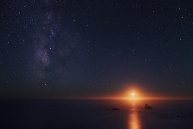 Pacific Ocean Moonset