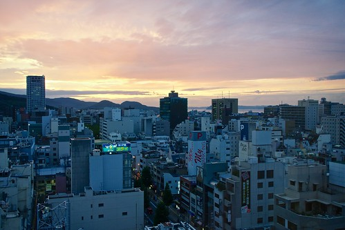 sunset sea japan buildings cityscape cloudy sony takamatsu 日本 海 街 ビル 夕焼け 高松 apsc a6000 sel24f18z e24mmf18za ©jakejung sonye24mmf18za α6000 ilce6000