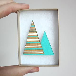 Stripes mountain brooch